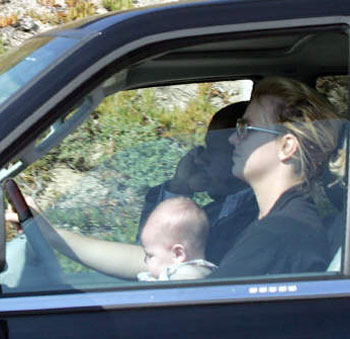 britney-spears-takes-baby-for-a-car-ride